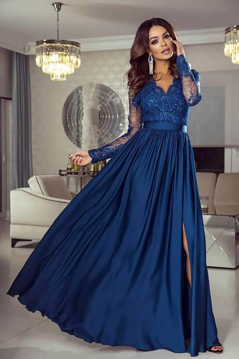 Abito lungo elegante di colore blu con corpino in tulle ricamato e paillettes