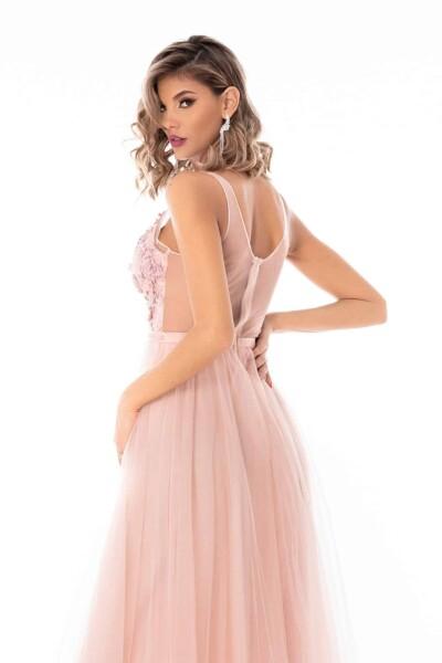 Abito elegante princess di colore rosa con corpino in pizzo tridimensionale